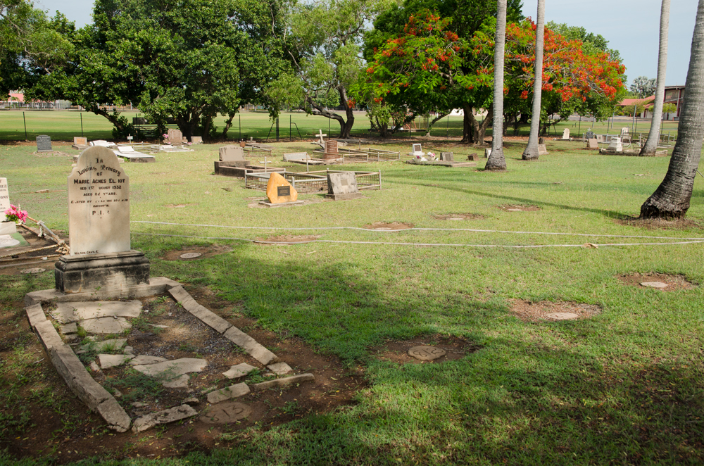 Darwin Gardens Cemetery 1930s plots, including 'Handsome Joe' Croft's plot, # 812, 6 November 2014
