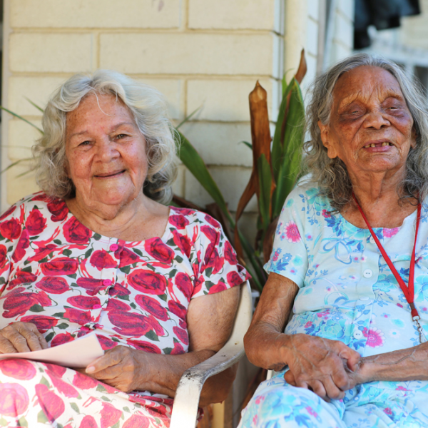 Elders Aunty Kathy Mills (née McGinniss, Gurindji/Kungarakan people) and Aunty Nancy Gibbs Nalyarri (née Croft, Gurindji people), Moulden, 25 October 2015