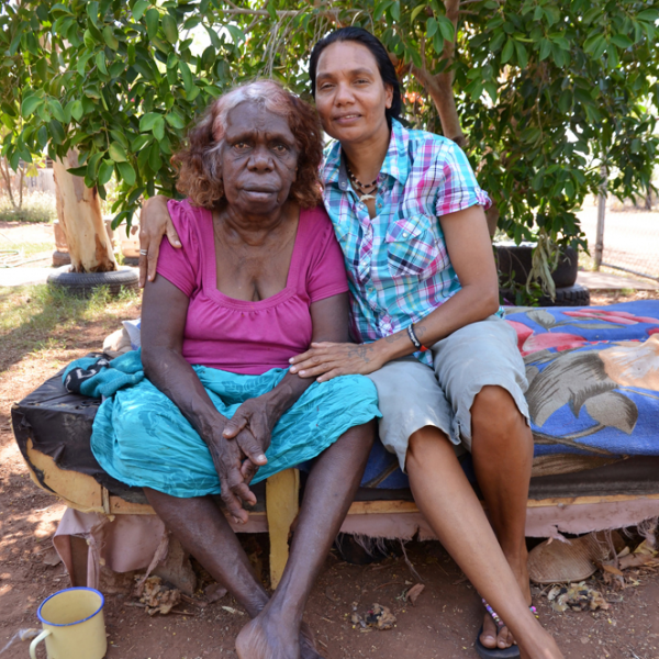 Violet Wadrill Nanaku with her granddaughter, Leah Leaman Namija, Kalkaringi, 29 October 2014