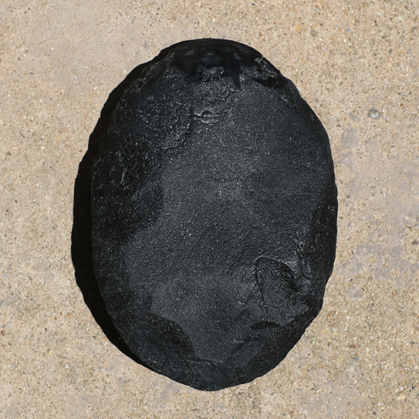 Black hammer axe (after Gurindji hammer stone axe from Bore 17), 2017 (front)