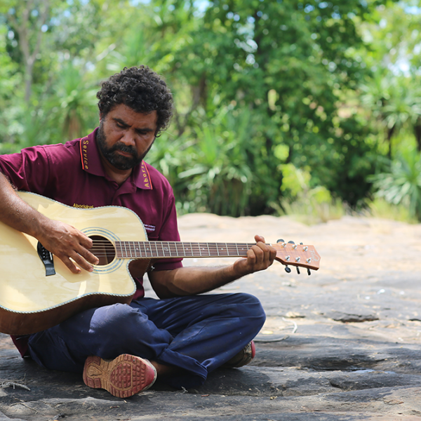 John Leemans Jukurtayi playing guitar, Lawi, Wattie Creek, 15 March 2016