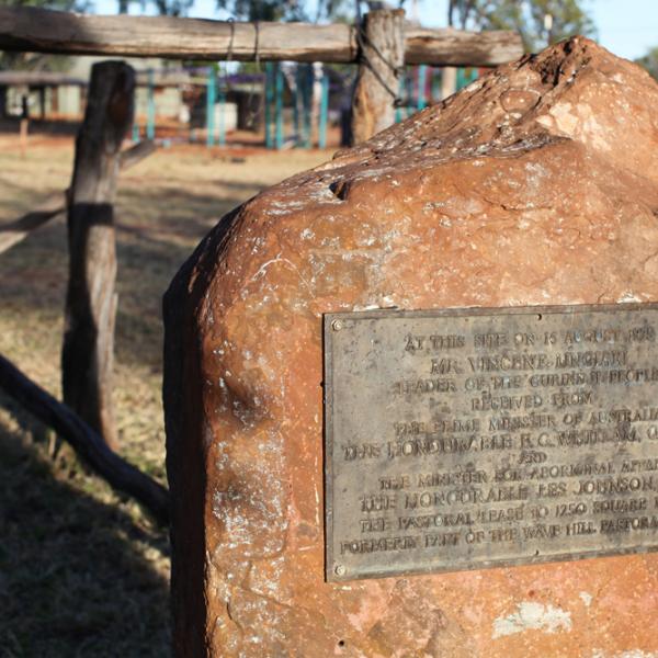 Vincent Lingiari Jurlama, Gough Whitlam Gurindji Handback plaque, Daguragu, 19 June 2014